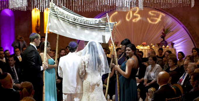 Traditions at Jewish Weddings